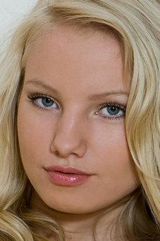 Rylskyart bianca blonde